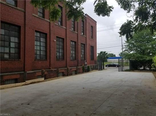 6513 Union Ave, Cleveland, OH - USA (photo 2)