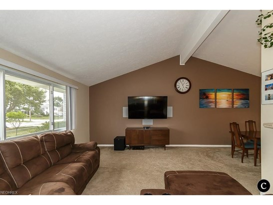 1254 Jackie Ln, Mayfield Heights, OH - USA (photo 3)