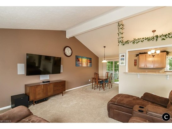 1254 Jackie Ln, Mayfield Heights, OH - USA (photo 4)
