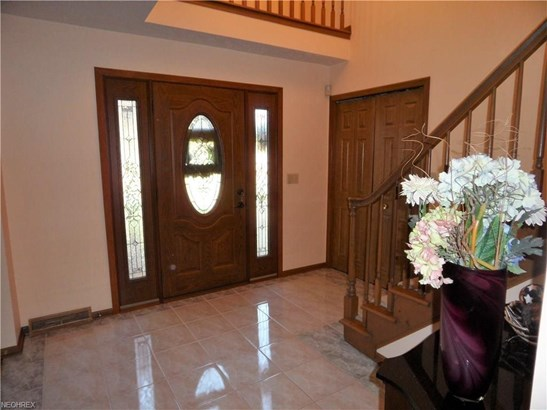 10039 Forestview Dr, Strongsville, OH - USA (photo 3)
