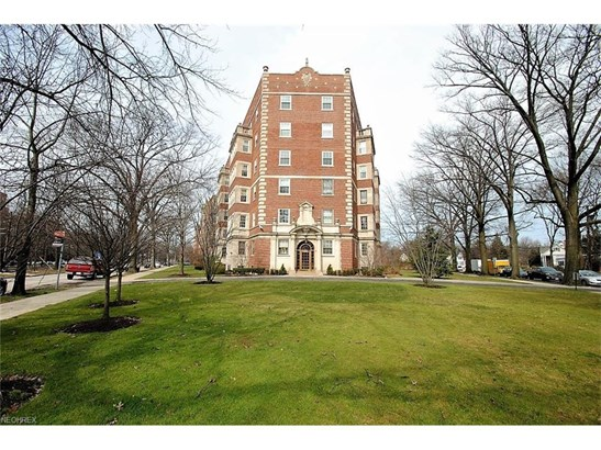 13901 Shaker Blvd 1b, Cleveland, OH - USA (photo 1)