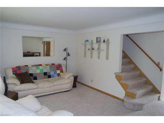 30109 Frank Dr, Wickliffe, OH - USA (photo 2)