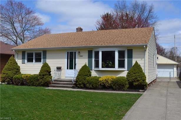 10962 Blossom Ave, Parma Heights, OH - USA (photo 1)