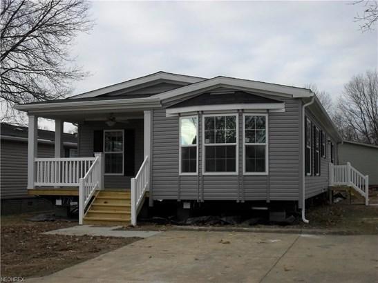 204 E St, Navarre, OH - USA (photo 1)
