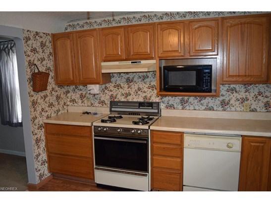 34857 Roberts Rd, Eastlake, OH - USA (photo 5)