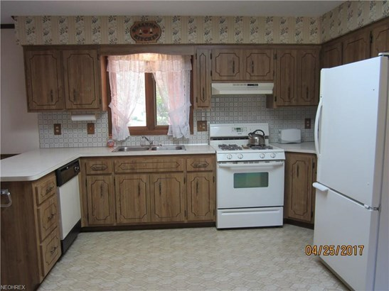 1850 Applewood Dr, Seven Hills, OH - USA (photo 3)