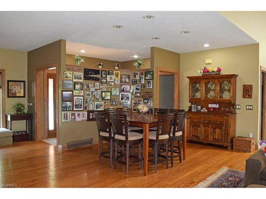 2967 Sherbrooke Valley Ct, Willoughby Hills, OH - USA (photo 4)
