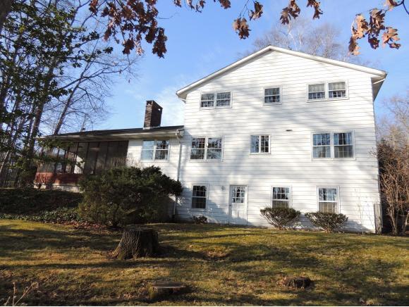 319 Ridgefield Rd, Endicott, NY - USA (photo 2)