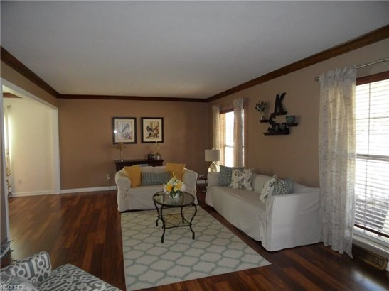 20761 Sandalwood Ln, Strongsville, OH - USA (photo 3)