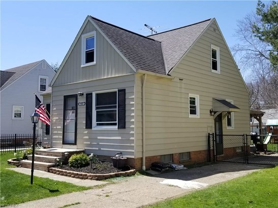 7052 Greenleaf Ave, Parma Heights, OH - USA (photo 4)