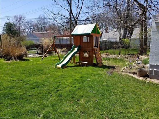 7052 Greenleaf Ave, Parma Heights, OH - USA (photo 5)