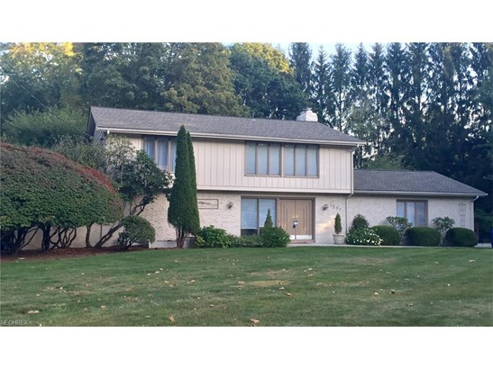 1297 Stonington Dr, Youngstown, OH - USA (photo 2)