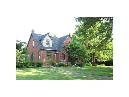 1513 Parkhill Rd, Cleveland Heights, OH - USA (photo 2)