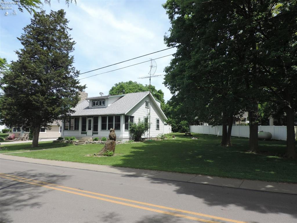 523 West Lakeshore Drive, Kelleys Island, OH - USA (photo 1)