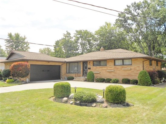872 Rose Blvd, Highland Heights, OH - USA (photo 1)