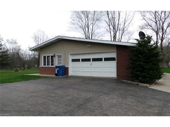 8598 Schubert Ne Ave, Alliance, OH - USA (photo 2)