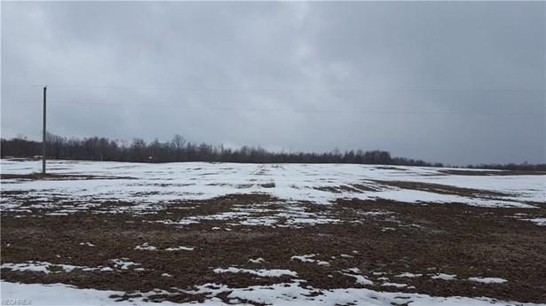 6 6 Woodard Rd, Andover, OH - USA (photo 2)