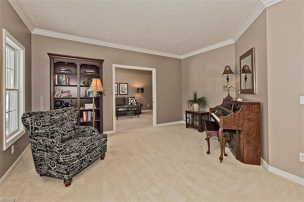 8265 Woodberry Blvd, Chagrin Falls, OH - USA (photo 5)