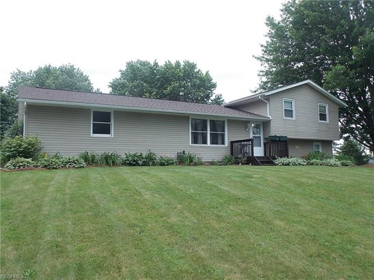 11194 Michelle Nw Dr, Canal Fulton, OH - USA (photo 1)