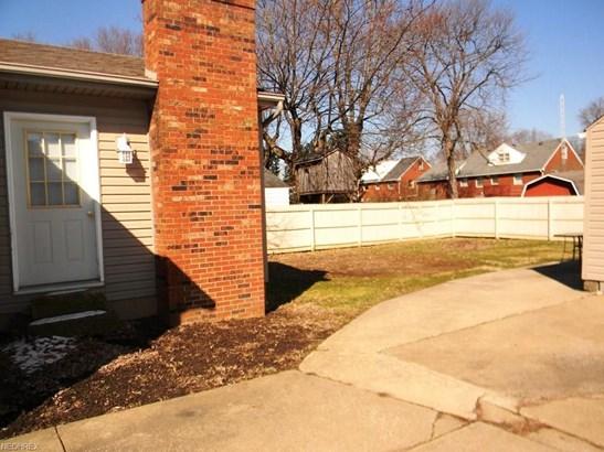 1427 E Broad, Louisville, OH - USA (photo 3)