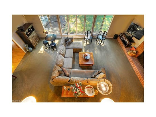 3811 W Valley Dr, Fairview Park, OH - USA (photo 5)