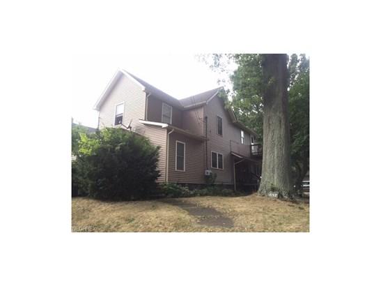 843 W Hopocan Ave, Barberton, OH - USA (photo 1)
