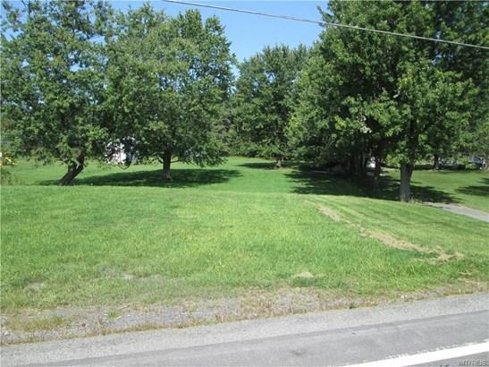 1340 Seneca Creek Road, West Seneca, NY - USA (photo 2)