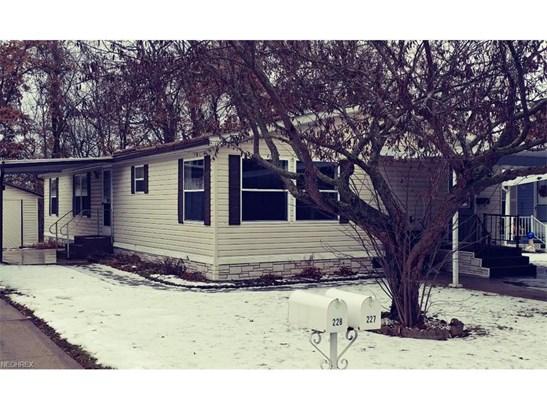 227 C St, Navarre, OH - USA (photo 1)