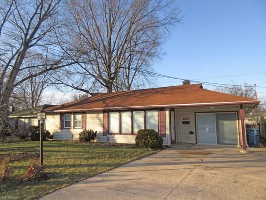 8852 W Ridgewood Dr, Parma Heights, OH - USA (photo 1)