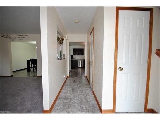 11116 Langton Ave, Garfield Heights, OH - USA (photo 4)