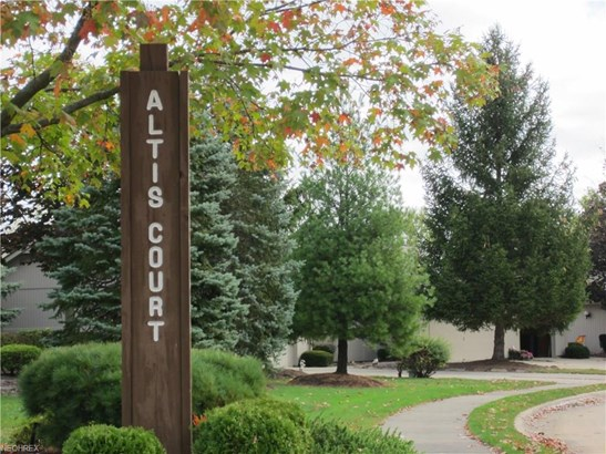 12303 Altis Ct, Strongsville, OH - USA (photo 2)