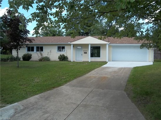 25445 Randolph Rd, Bedford Heights, OH - USA (photo 1)