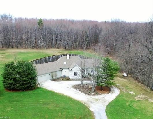 1074 Barbe Ln, Bristolville, OH - USA (photo 1)