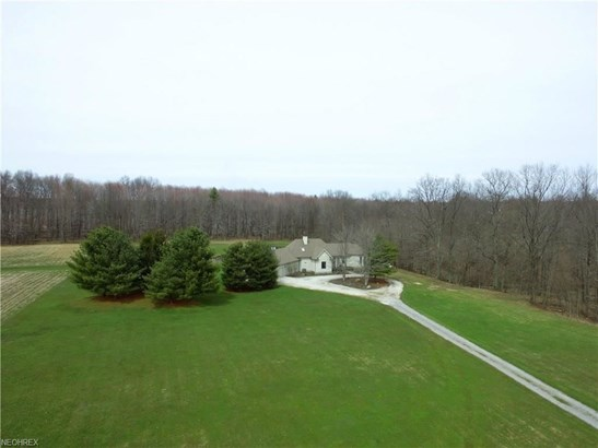 1074 Barbe Ln, Bristolville, OH - USA (photo 3)