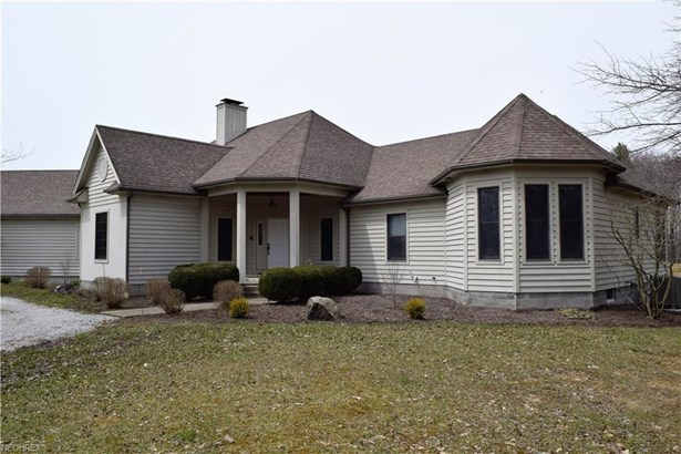 1074 Barbe Ln, Bristolville, OH - USA (photo 5)