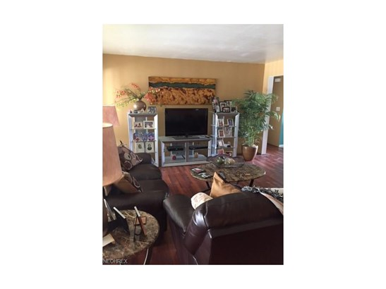 2900 Belmar Dr, Youngstown, OH - USA (photo 2)