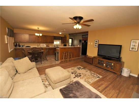 2133 Winslow Nw Ave, Massillon, OH - USA (photo 3)