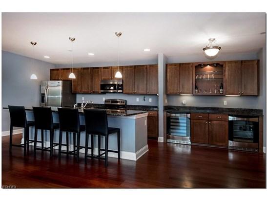 16800 Van Aken Blvd 305, Shaker Heights, OH - USA (photo 5)