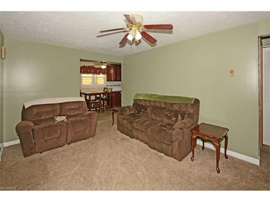 2524 Packard Dr, Lorain, OH - USA (photo 5)