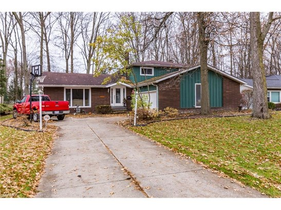 29583 Bretton Ridge Dr, North Olmsted, OH - USA (photo 1)