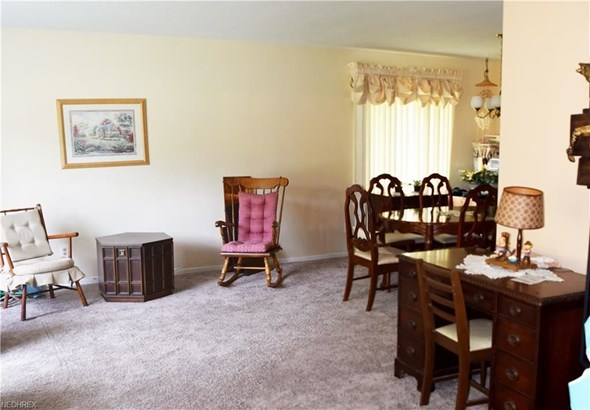 661 Jefferson Dr, Highland Heights, OH - USA (photo 4)