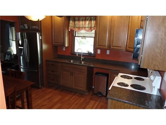 2619 Messinger Ln, White Oak, PA - USA (photo 5)