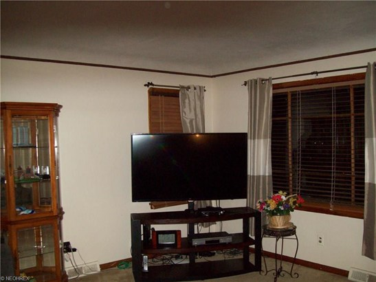 16209 Mendota Ave, Maple Heights, OH - USA (photo 5)