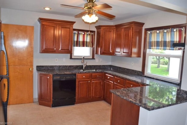 1701 Byron Dr, Mayfield Heights, OH - USA (photo 2)