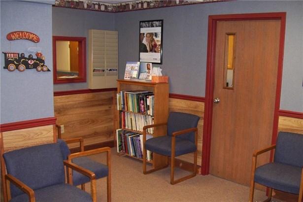 94 Main / Suite 203 Street, Geneseo, NY - USA (photo 3)