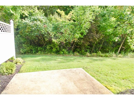 1374 Kendal Dr, Broadview Heights, OH - USA (photo 2)