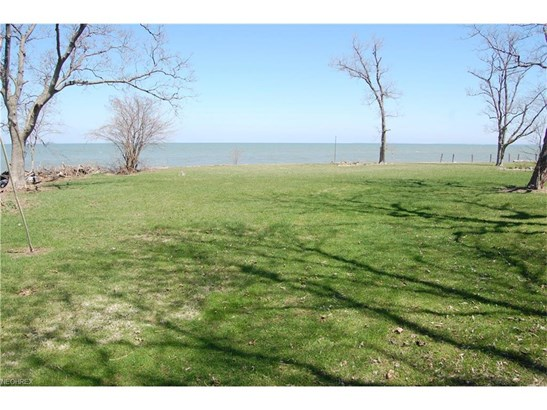 2185 N Shore Dr, Middle Bass, OH - USA (photo 2)