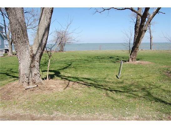 2185 N Shore Dr, Middle Bass, OH - USA (photo 3)
