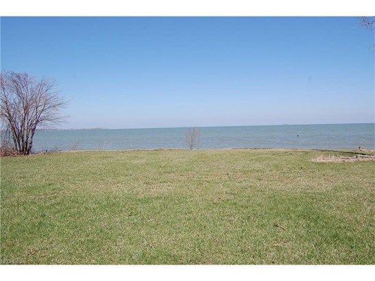 2185 N Shore Dr, Middle Bass, OH - USA (photo 4)
