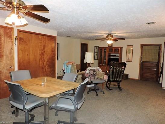 6006 Mackenzie Rd, North Olmsted, OH - USA (photo 4)